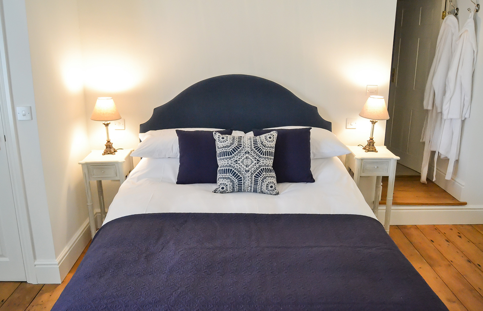 Feathers-Room-Bed-Breakfast-Bang-in-Wells-Norfolk